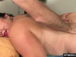 Enormous babe Calista Roxxx Gets a rubdown and a make the beast near two backs make application Up Her beaver free sex