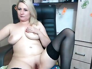 Blonde busty Brook Little plays forth her big boobs