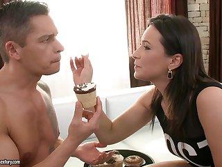 Akasha Cullen Hardcore Porn Video