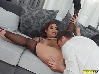 Curvy whore in torn pantyhose gets fucked eternal and fast