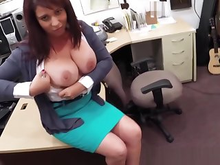Bigtit milf pawns her pussy for cash