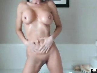 Sexy amateur busty babe finished scrubbed with a fake dick