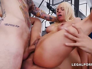 Luna Starlet is a immense culo light-haired doll who loves involving get doublefucked, until she ejaculates