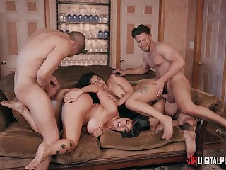 Foursome in pioneering modes to please the slutty wives