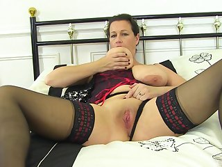 Solo mature strips with the addition of finger fucks in a zooid home solo