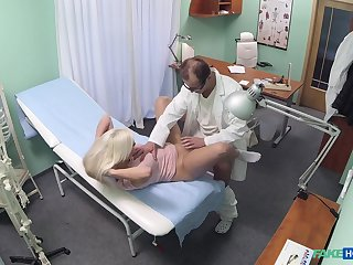 Cute Jessie Ann's doctor has an interesting means of treating her needs