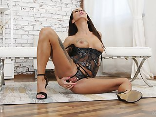 Masturbation solos with Lady Dee, Charlie Red with an increment of Valentina Sierra
