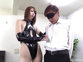 Seira Matsuoka tries her hand handy female domination with a lover