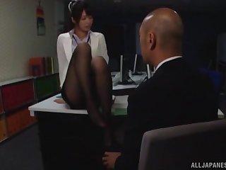 Inauspicious Nanami Kawakami loves convulsive a cock with her small arms