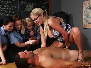 Wild light-haired preceptor flashes her schoolgirls how to sponge bath stiffy