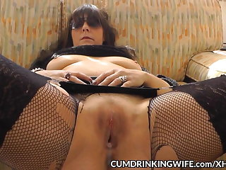 Slutwife creampied by oversupply of guys